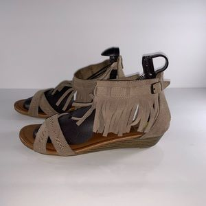 Minnetonka Shoes - Minnetonka Leather Fringel Ankle Strap Sandals